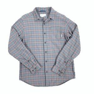 Columbia Men's button down long sleeve shirt 🍔